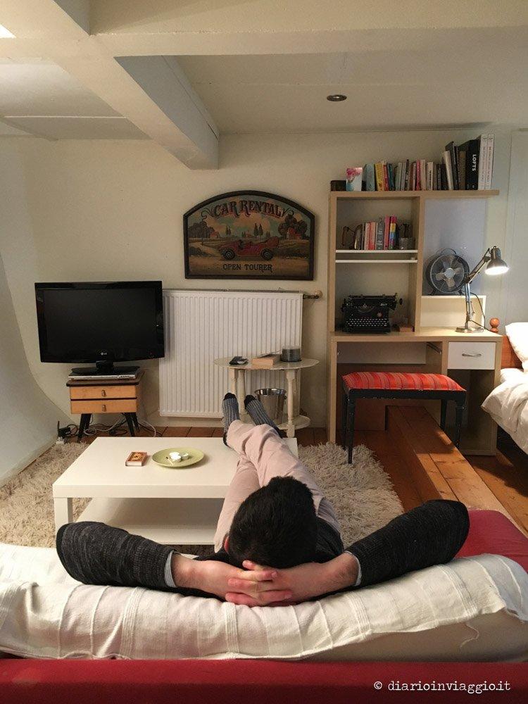 dormire in houseboat ad amsterdam
