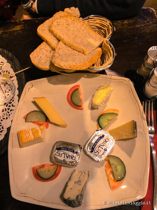 La selezione di formaggi, piuttosto povera!