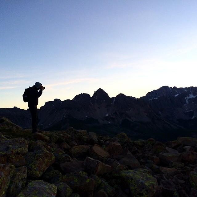 Un'alba tra le Dolomiti, di una bellezza da mozzare il fiato
