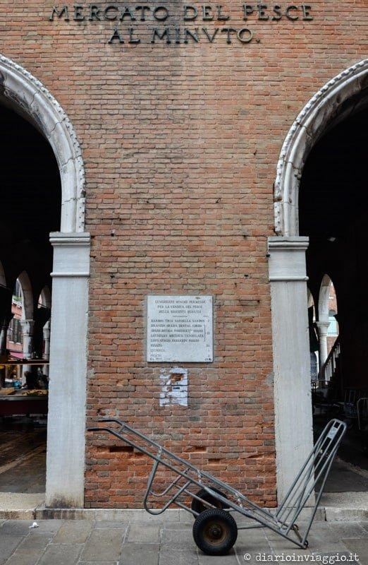 visitare il mercato di rialto venezia