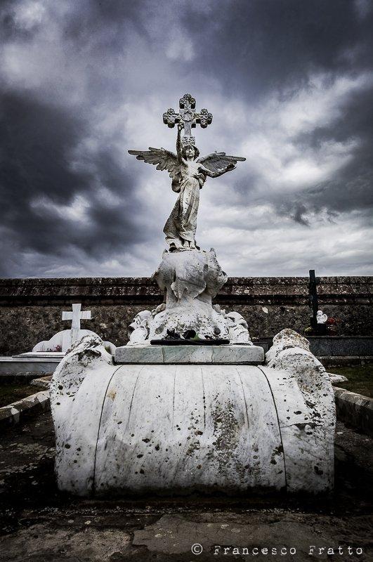 cimitero municipale comillas