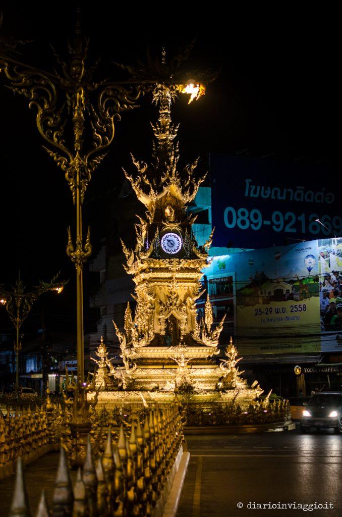 torre dell'orologio chiang rai