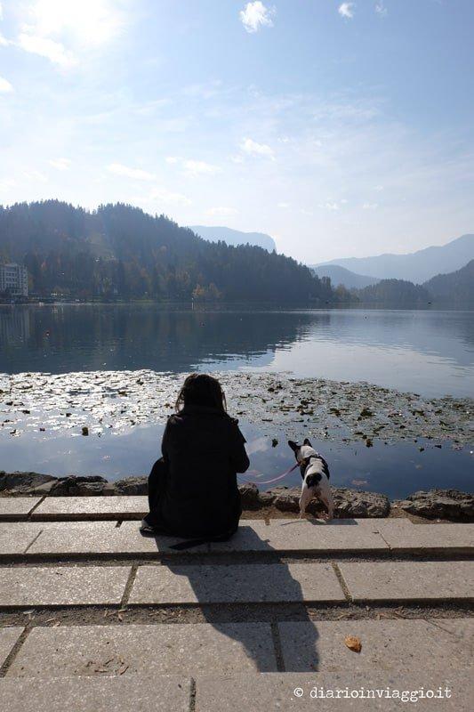 passeggiata lungo lago di bled