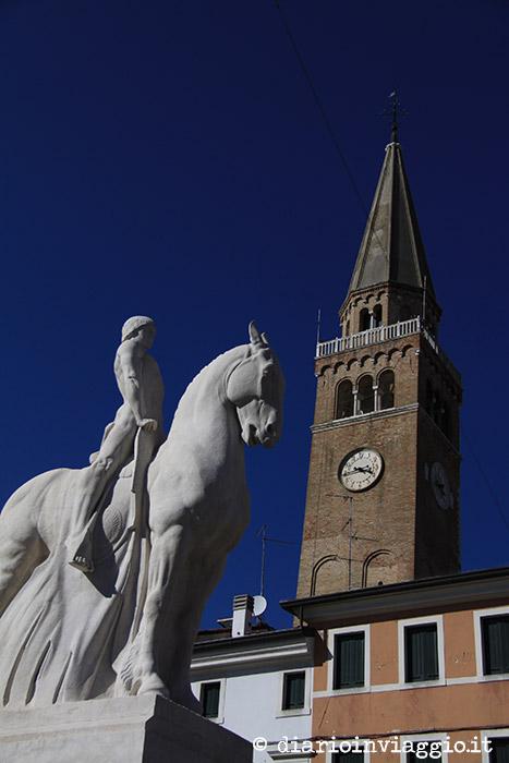 Il cavallo ed il campanile di Portogruaro