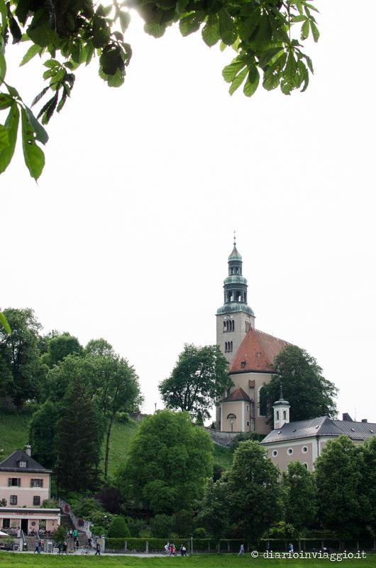 La chiesetta ai piedi della Moenchsberg