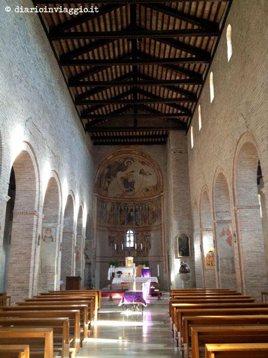 L'interno dell'abbazia di Summaga