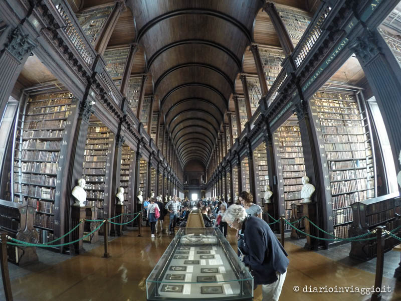 Long room, Trinity College, Dublino