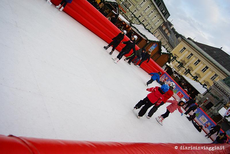 La pista di pattinaggio sul ghiaccio di Klagenfurt