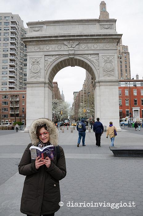 Leggendo la guida di NY