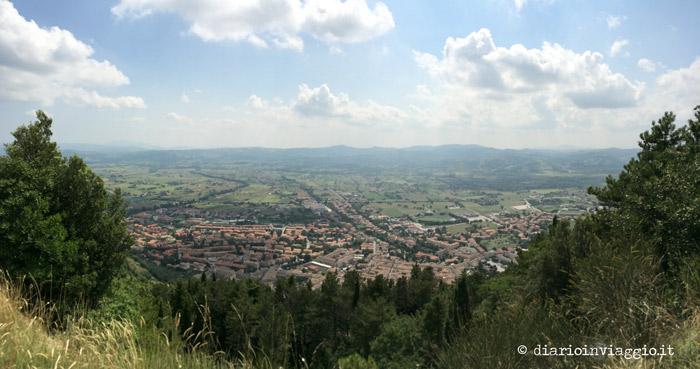 Il panorama dal Monte Ingino a Gubbio