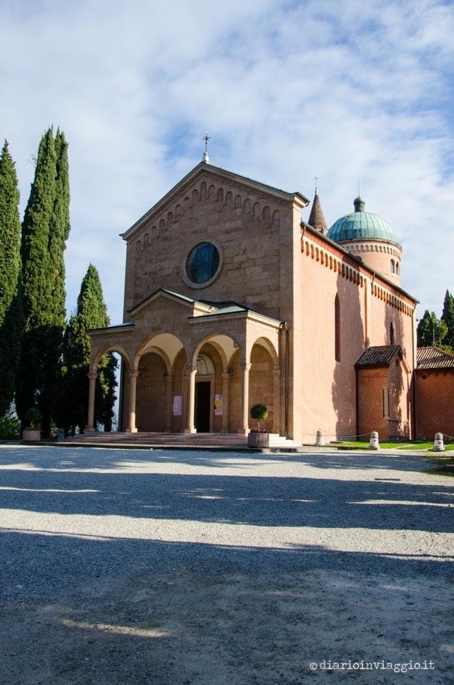 Santuario Chiesetta Rossa sul Colle Castellaro