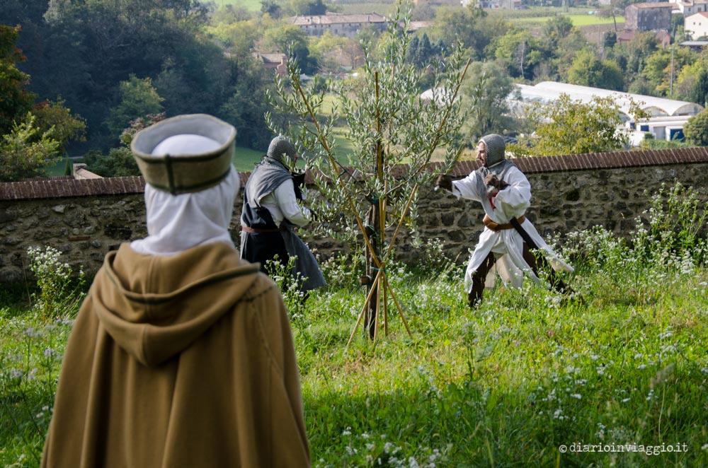 Figuranti in abiti medievali
