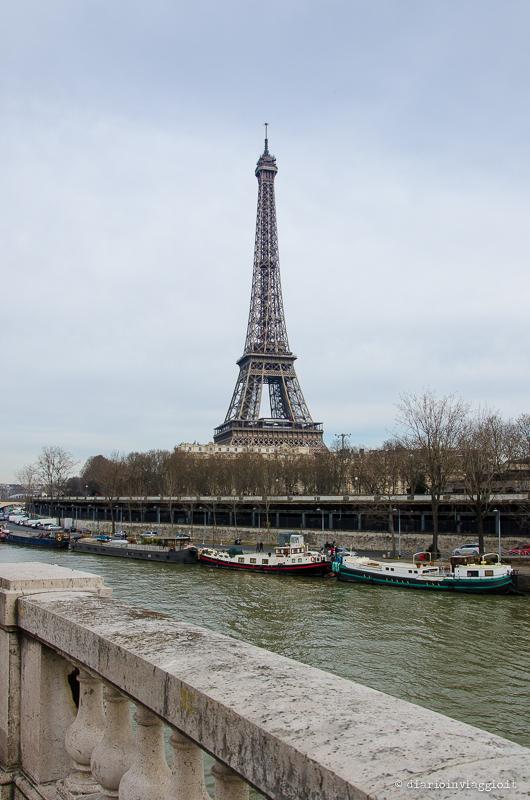 La Tour Eiffel dal ponte Bir-Halkeim