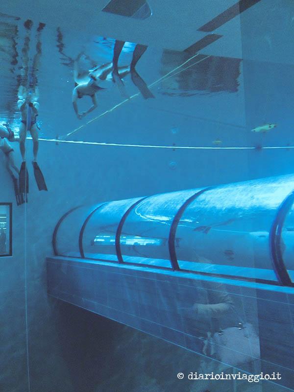 Y 40 una piscina da guinness con acqua termale for Piscina y 40 padova